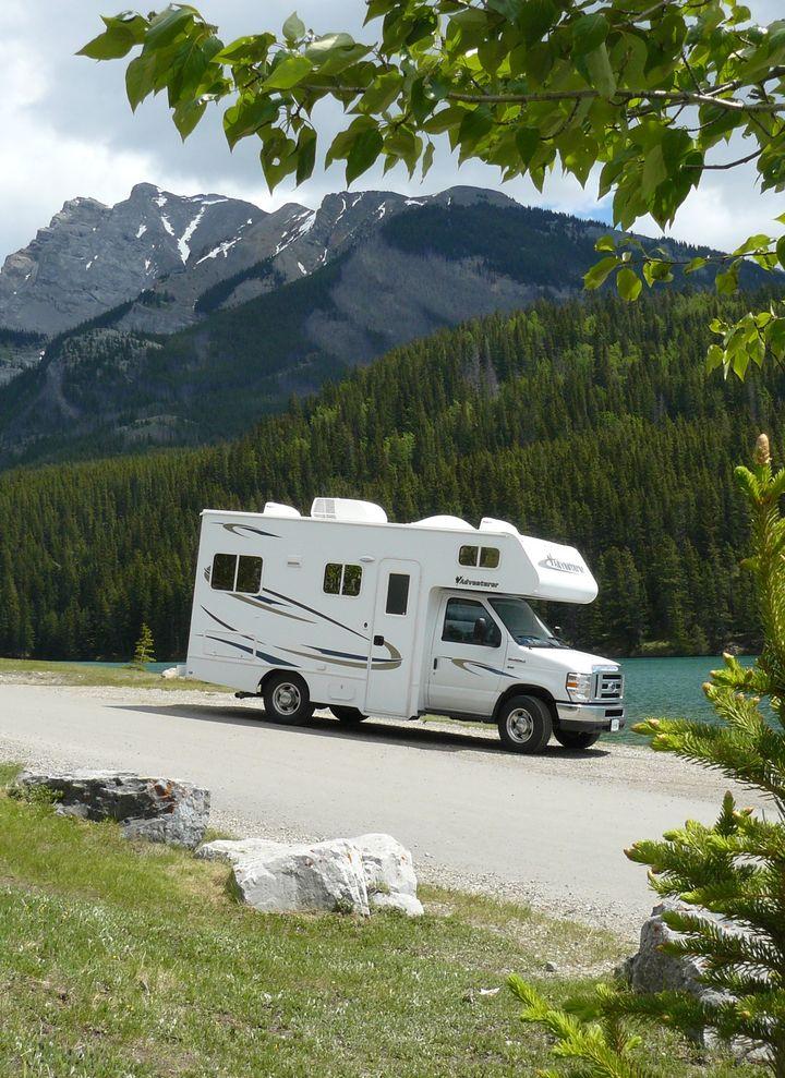 wohnmobil kanada und camper kanada online mieten. Black Bedroom Furniture Sets. Home Design Ideas